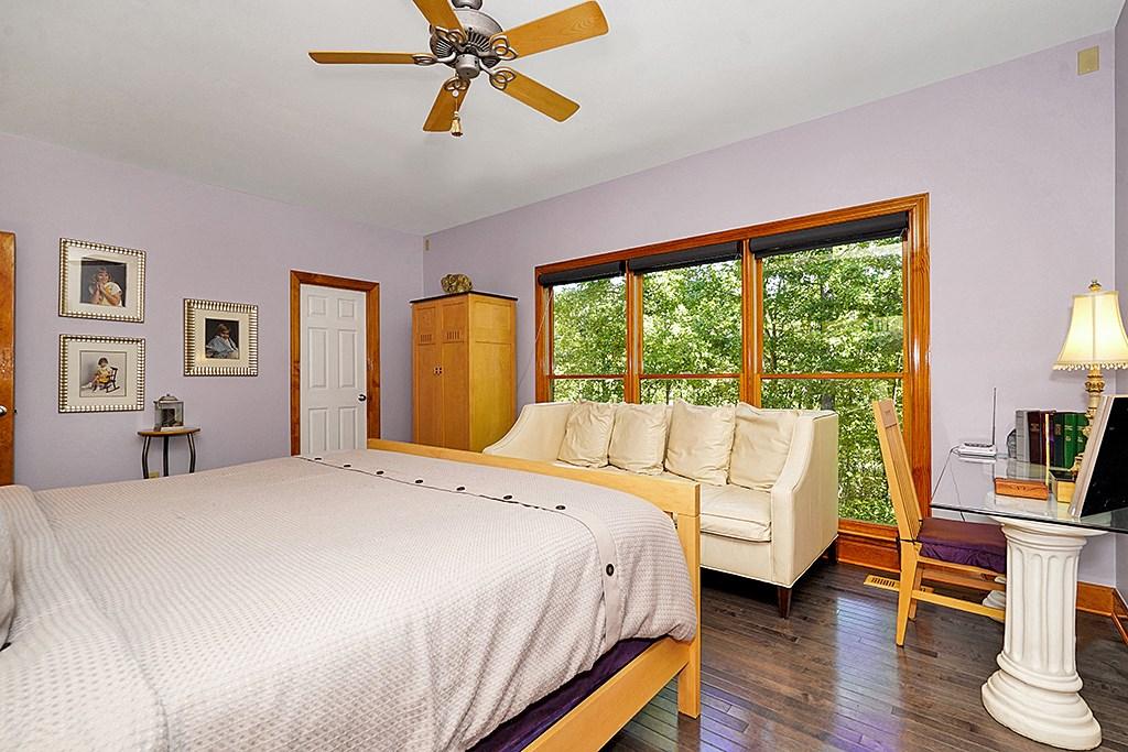 015_Master Bedroom
